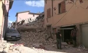 Mortos em terremoto na Itália já passam de 240