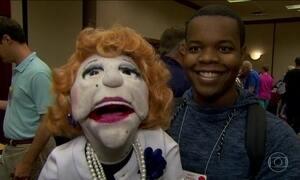 Evento com fantoches nos EUA tem recorde de personagens em fotografia