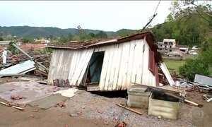 Tempestades em Santa Catarina já deixam dois mortos