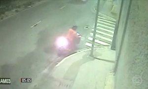 Tentativa de roubo de tênis termina com a morte de uma adolescente