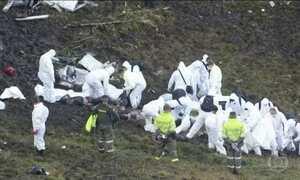 Avião com equipe da Chapecoense cai e deixa 71 mortos na Colômbia