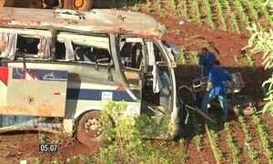 Sete pessoas morrem e 35 ficam feridas em acidente de ônibus no Paraná