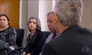 Presidente do STF, Cármen Lúcia, vai a Manaus discutir crise penitenciária