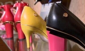 Modelos de sapato com salto removível conquistam clientes