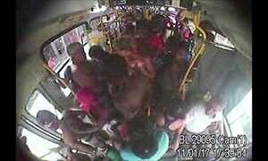 Vídeos mostram rotina de violência e depredação no ônibus 474 no Rio