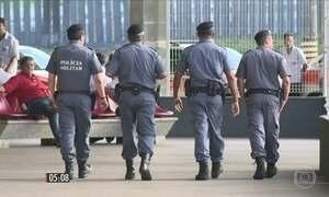 População de Vitória tenta retomar a rotina após volta dos policiais às ruas