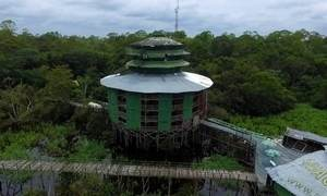 Abandonado, hotel na Floresta Amazônica ainda impressiona