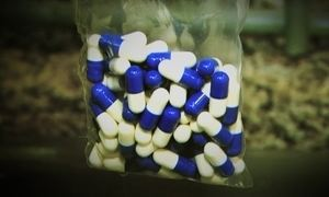 Brasileiros lançam nos EUA pílula do câncer como suplemento alimentar