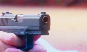 Arma usada pela polícia brasileira pode disparar por acidente