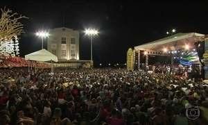 Carnaval de Salvador tem abertura oficial com blocos, show e muita folia
