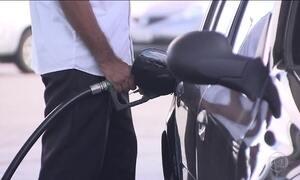 Gasolina fica mais barata em quase todas as regiões do país