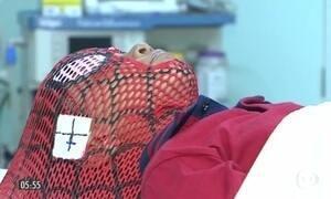 Máscaras de super-heróis ajudam no tratamento de crianças com câncer