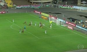 Gols do Fantástico: Flamengo e Fluminense empatam e avançam