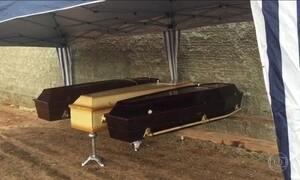 Peritos identificam corpos de vítimas da chacina em assentamento de MT