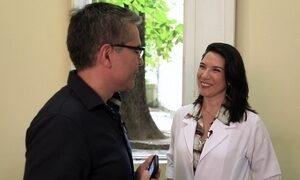 Exclusivo web: fisioterapeuta dá dicas de postura para usar celular