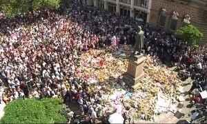 Moradores de Manchester se unem em rede de solidariedade após ataque