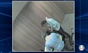 Vídeo mostra executivo da J&F entregando dinheiro a primo de Aécio