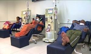 Pacientes de hemodiálise dependem da sorte para conseguir tratamento