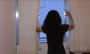 Quase 35% das pessoas que moram sozinhas estão endividadas