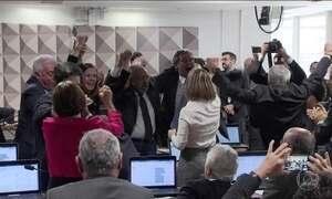 Comissão do Senado tem placar acirrado e rejeita reforma trabalhista