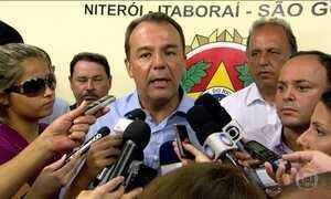 Mensagens de celular ligam Pezão ao esquema de corrupção de Cabral