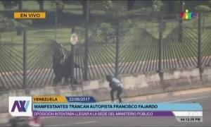 Na Venezuela, manifestante é atingido com balas de borrachas e morre