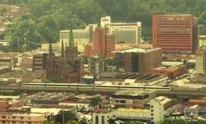 Medellín, ex-sede de cartel de drogas, hoje é exemplo de desenvolvimento