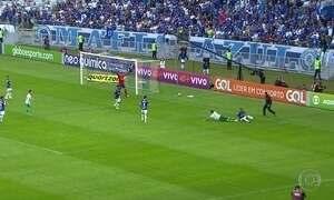 Cruzeiro bate o Palmeiras e entra no G-6; veja os gols do Fantástico