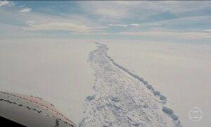Iceberg maior que o Distrito Federal se descola da Antártica