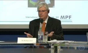 Em palestra nos EUA, Janot defende delação premiada contra corrupção