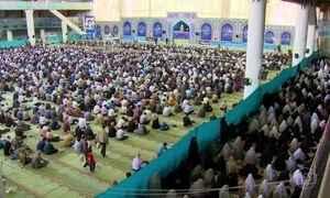 Glória Maria entra em mesquita no Irã para acompanhar tradicional oração