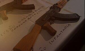 Fantástico mostra como fuzis AK-47 chegam ao Brasil