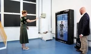 Moda do futuro calcula medidas do cliente pela tela e usa impressora 3D