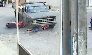 Motoqueiro da PB sobrevive quase por milagre a acidente com caminhão