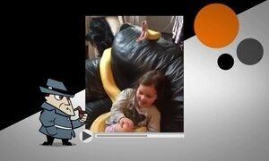 Cobra boceja ao lado de menina no sofá em vídeo que intriga a internet