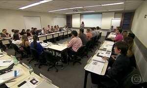 Fies, programa de crédito para ensino superior particular, abre inscrições