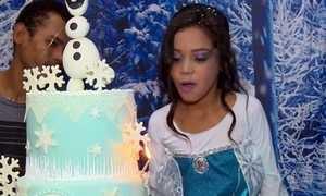 Menina de 7 anos chora na 1ª festa de aniversário e reação repercute na web