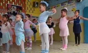 Projeto social ajuda crianças e jovens em Porto Alegre