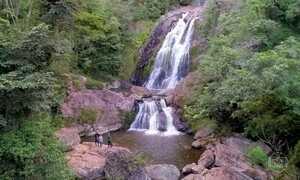 Entre as belezas da Serra da Canastra estão cerca de 60 cachoeiras