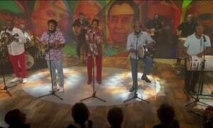 Fundo de Quintal lança DVD para comemorar 40 anos de carreira