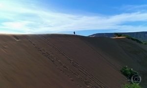 Maior duna do Jalapão tem 40 metros de altura e a cada ano cresce mais