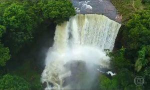 Fervedouros e cachoeiras fazem parte das belezas naturais do Jalapão