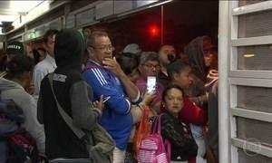 Motoristas saem à caça de gasolina; passageiros precisaram de paciência