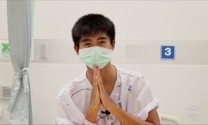 Tailândia divulga novas imagens de meninos resgatados de caverna