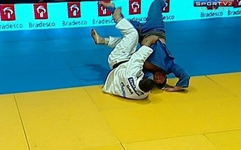 David Moura vence Bilal Zouani na categoria pesado 