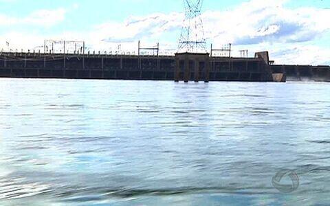 Ribeirinhos tiram sustento do rio Paraná (Reprodução/TV Morena)