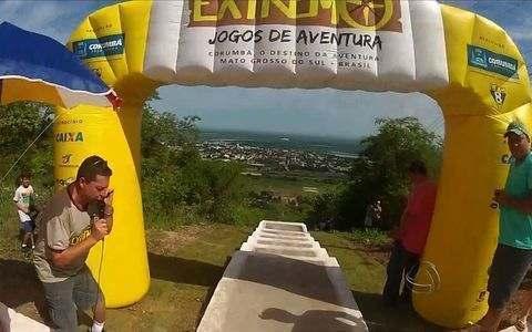 Escadaria de 503 degraus é desafio para competidores do downhill