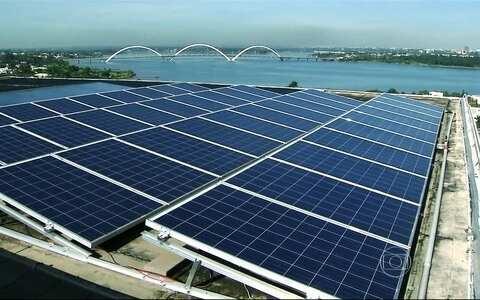 Brasileiros investem em energia limpa e ganham com economia