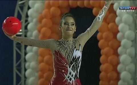 Natália Gaudio e Stephany Gonçalves são ouro na bola pelo Brasileiro