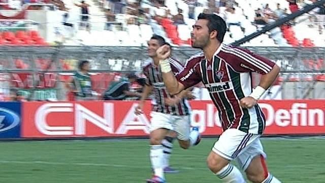 Inteligente e preciso, Deco conduz o Fluminense no Campeonato Carioca